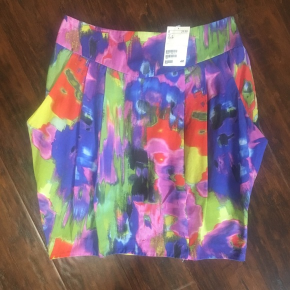 H&M Dresses & Skirts - NWT📣VIBRANT Watercolors Midi Skirt w/Pockets!